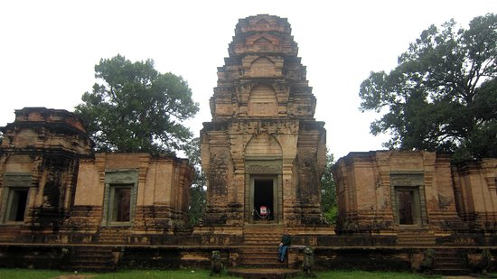 Front of Prasat Kravan Temple- Some brick paving leading to the steps that go up to the temple itself. Grassy areas where there are no pavings and all flat so good for wheelchairs to push around for panoramic views and photos of this Temple.