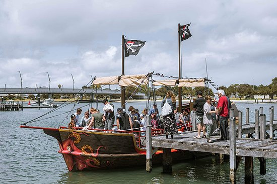 Mandurah, Australia: The Pirate Ship on launch day