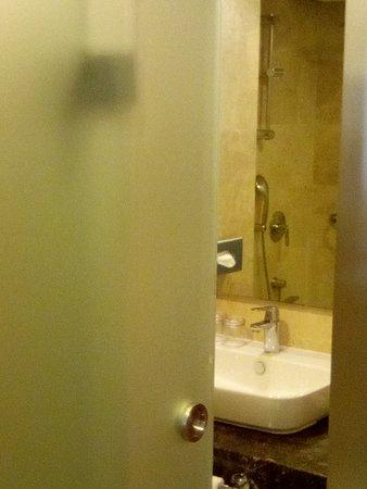 Holiday Inn Istanbul Old City: bathroom