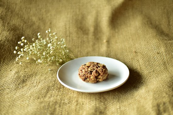 Mountain Cafe and Blue Eyes Coffee: Oatmeal chocolate chip cookie