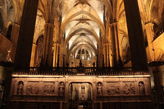 Catedral de Barcelona: Cathedral interiors