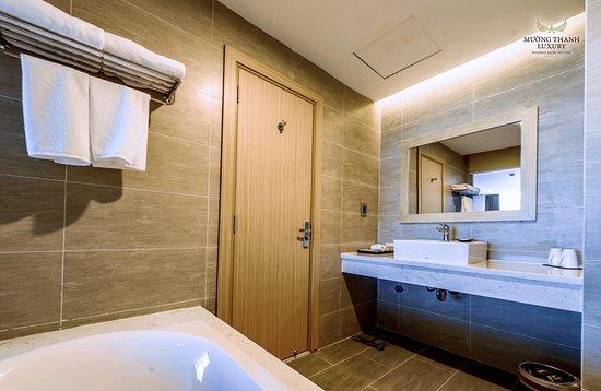 Lễ tân – na slici je Muong Thanh Luxury Khanh Hoa Hotel, Nja Čang