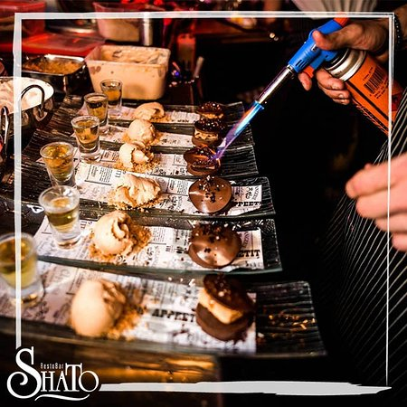 "Shato Eilat: מוצ""ש מתוק בשאטו אילת! תודה לשף Haim Ben Baroch שאירח את כוכב משחקי השף קונדיטוריה Nir Edri  לערב של קסם מתוק! By - Shlomi Zira"