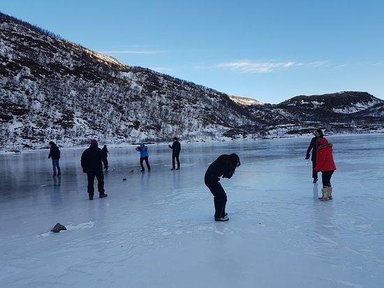 Karl-Ivar's Guided Tours: We are enjoying ourselves on the ice.