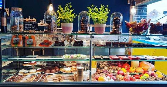 Tous nos plats sont à base de produits frais bio et/ou locaux. Suivez notre page facebook.com/PURE.Bastogne pour plus d'infos.