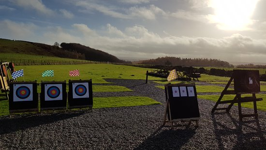Ringinglow Archery: Archery, air pistol and axe targets setup