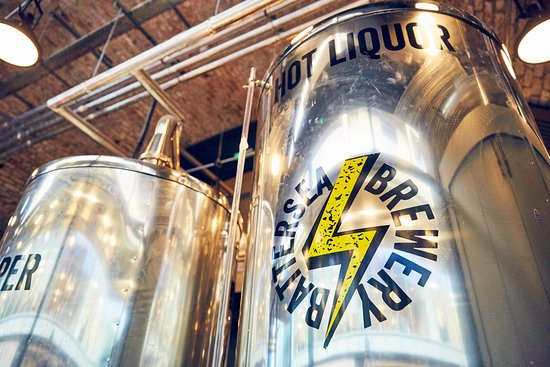 Why not come to Battersea Brewery for a Brewery Tour with your friends and family and even try your hand at brewing