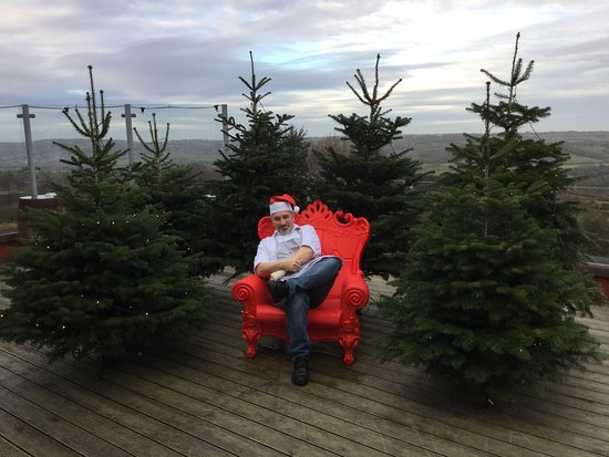 Blagdon, UK: Come and have Yeo picture taken in Santa's Chair.