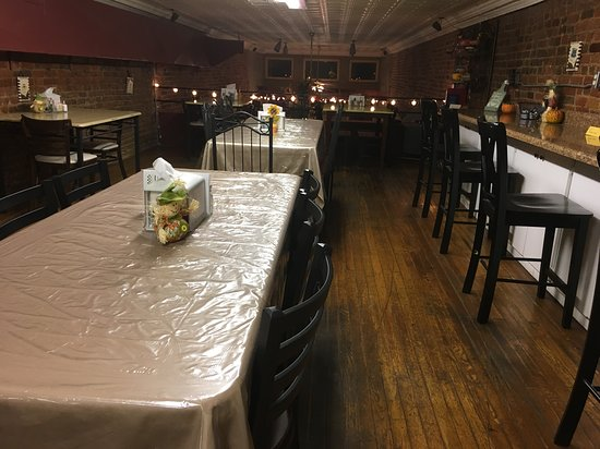 Shelbyville, Τενεσί: room upstairs for larger group seating