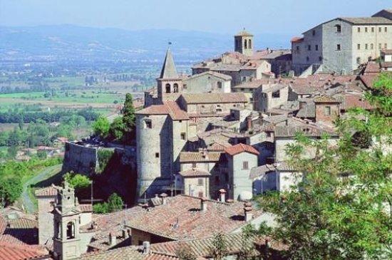 Monterchi, Italy: מונטרקי -כפר טוסקני טיפוסי