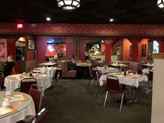 Dragon House Chinese Restaurant - table seating