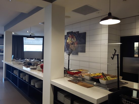 TaZa Grill & Bar: Taza Grill and Bar @2501 Argentia road newly renovated breakfast counter that has mostly in house made products