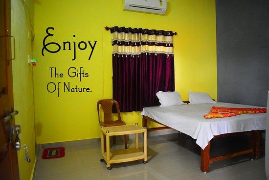 MTDC Holiday Resort Tadoba: Standard AC Room