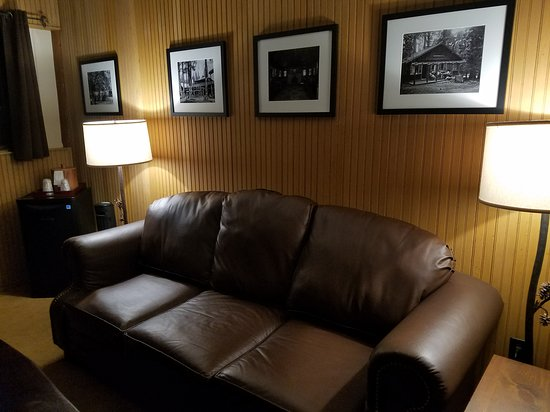 Living room of Suite 819