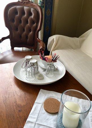 Pension Ramona: Kaffee und Tee inkl. Wasserkocher steht in allen Gästezimmern zur Verfügung. Geschirr wird täglich kostenfrei getauscht.