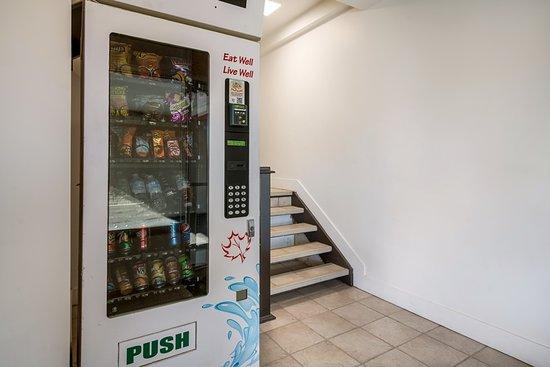 Motel 6 - Moncton: Vending Machine