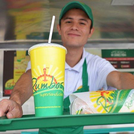 Rumbos Supersanduches: Siempre te atenderemos con una sonrisa y el mejor sabor de rumbo 