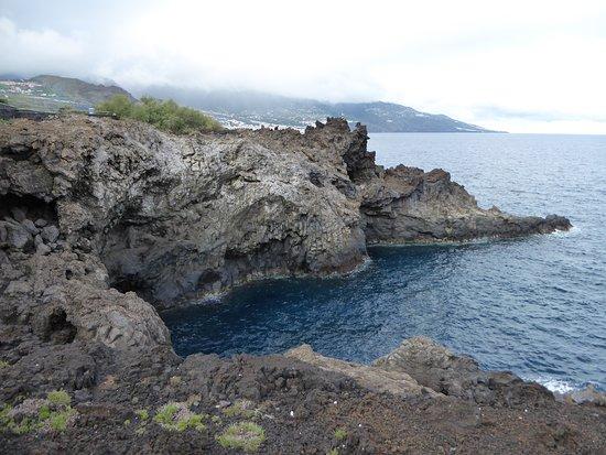De kust dicht bij het hotel