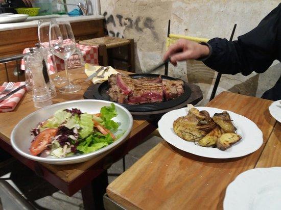 Ottima esperienza, locale accogliente al servizio sia di sala che cucina giovani simpatici ... carne ottima qualità grazie di tutto 😘