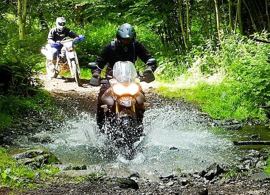 Bellerive-sur-Allier, França: Auvergne Tour. 3 days off-road motorcycle tour in France.