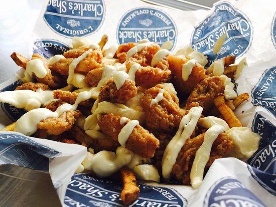 Poutine au fish'n'chips du Charlie's Shack.