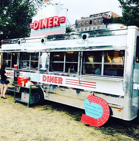 Greg's Diner food-truck.
