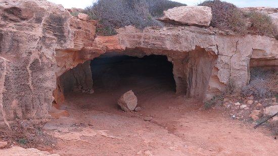 Cape Greco National Forest Park: Grotte des cyclopes, tout près de Konnos
