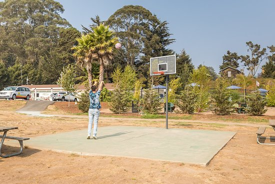 La Selva Beach, Kalifornien: Challenge the family to a game of P.I.G.