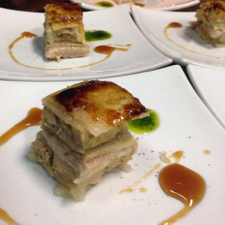 restaurante Era Mola: milhojas de manzana , anguila y foie
