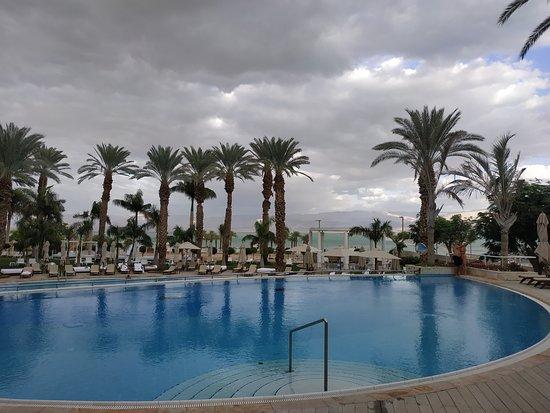 Isrotel Dead Sea Hotel & Spa: бассейн
