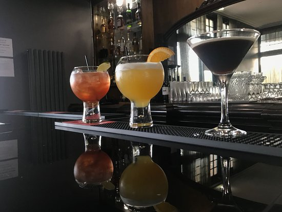 Blu Bar & Restaurant: Delicious Cocktails served in our cosy Gin Bar