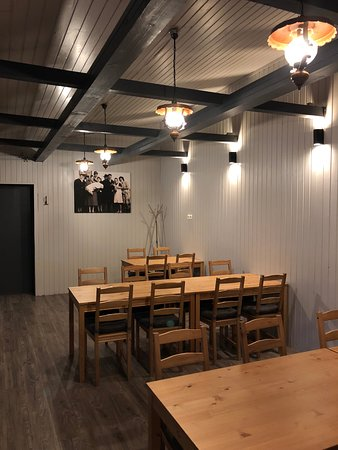 Gulyas Restaurant: Terem