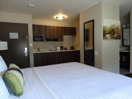 King Kitchenette Guest Room