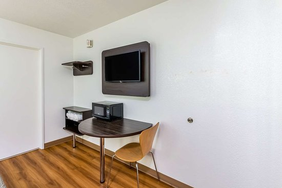 Motel 6 Waco - Bellmead: Table