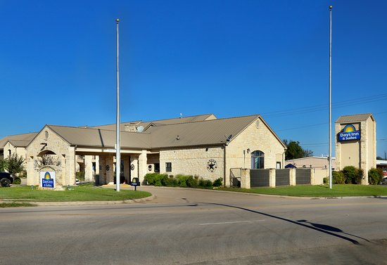 Llano Tx Exterior Entrance To Hotel From Hi Way 71