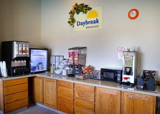 Llano, TX: Free Breakfast