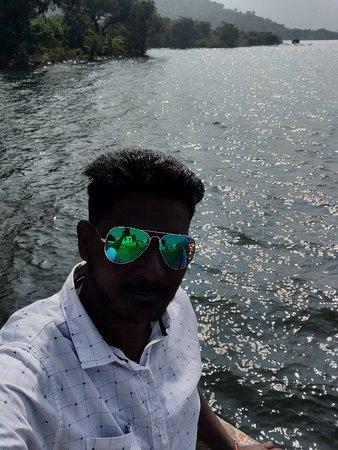Thirumoorthi Dam