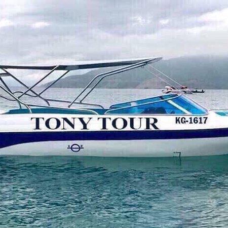 ✉️ Email: phuquoctonytour@gmail.com  📞 Hotline: 0941112016       Website: phuquoctonytour.com  Phú Quốc Tony : chuyên tổ chức tour tham quan 4 đảo bằng cano - tàu du lịch  - cho thuê tàu câu cá - câu mực đêm  - cho thuê 7 - 45 chỗ tham quan tại Phú Quốc  - cho thuê xe tự lái 4 - chỗ  Đặc biệt : chuyên tổ chức tour bắn cá bằng cano tại Phú Quốc.   ✉️ Email: phuquoctonytour@gmail.com  📞 Hotline: 0941112016       Website: phuquoctonytour.com