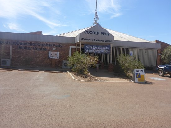 ‪Coober Pedy Tourist Information Centre‬
