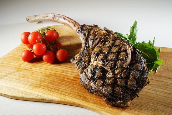 Non Kitchen: U.S Angus Tomahawk Steak