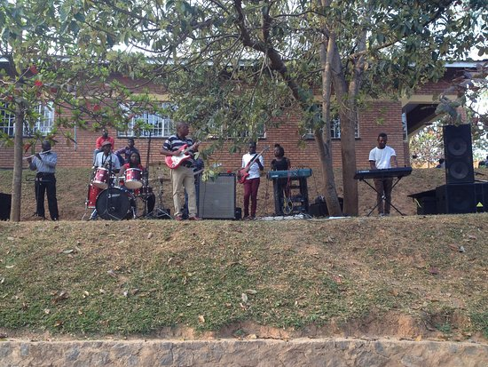 Pakachere Backpackers: Sometimes we have live music