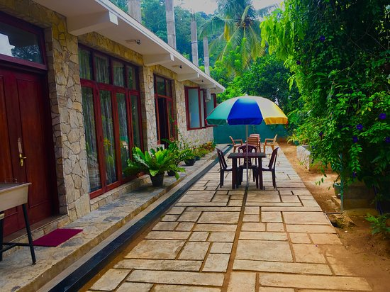 New Kandy Residence: Great out side with nice view
