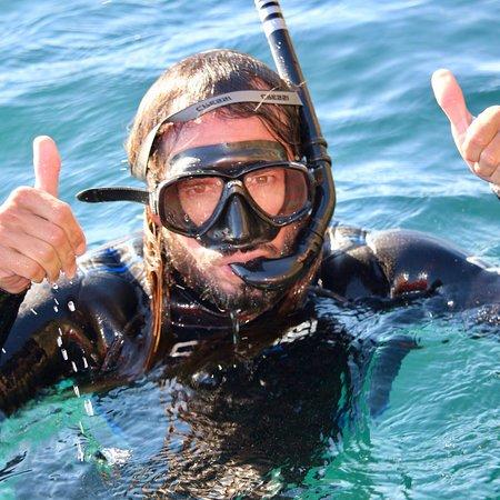 Educare Aventura Nerja. En playa de Burriana (Nerja) te ofrece rutas guiadas en kayak, paddle surf o Snorkel para descubrir y conocer los rincones más bellos del Paraje Natural de los Acantilados de Nerja y Maro. Centro Abierto de marzo a diciembre.