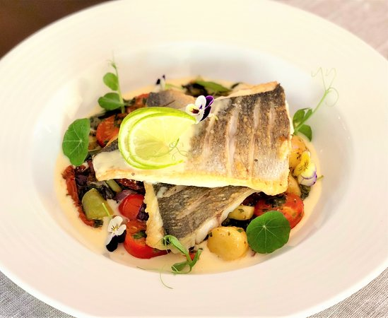 New York - American Restaurant & Rock Cafe SIBIU: Sea bream fillet with vegetables