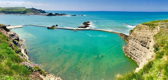 Bude Sea Pool, set in the cliffs on Summerleae Beach.