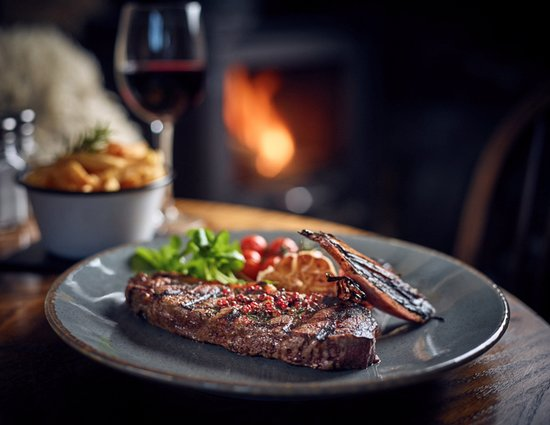 Kilpeck, UK: Herefordshire steak, rosemary salted chips