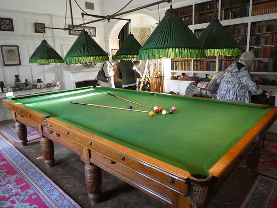 Standen: Snooker Room