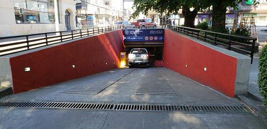 Темуко, Чили: Estacionamiento Plaza Anibal Pinto (Plaza de Armas de Temuco)