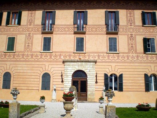 Villa Centofinestre - Edificio architettonico