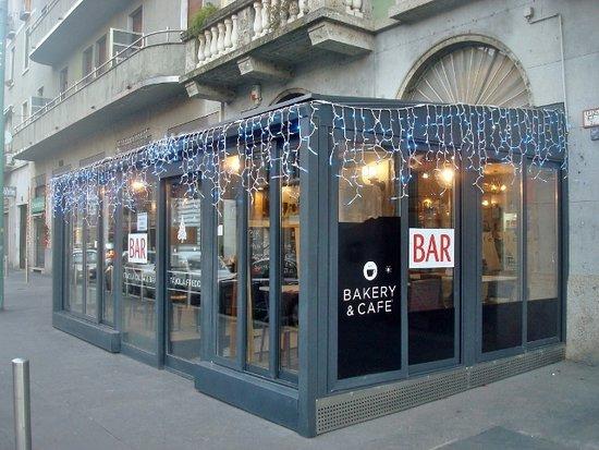 7000 Cafe